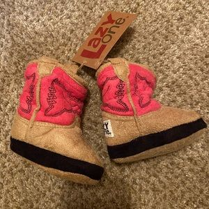 NWT Infant Girl boots